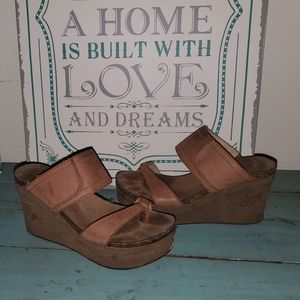 OTBT Brookfield Brown Wedge Sandals 7.5/8